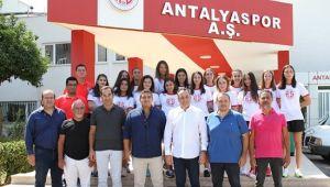 Antalyaspor'da İmza ve Tanıtım Töreni Düzenlendi