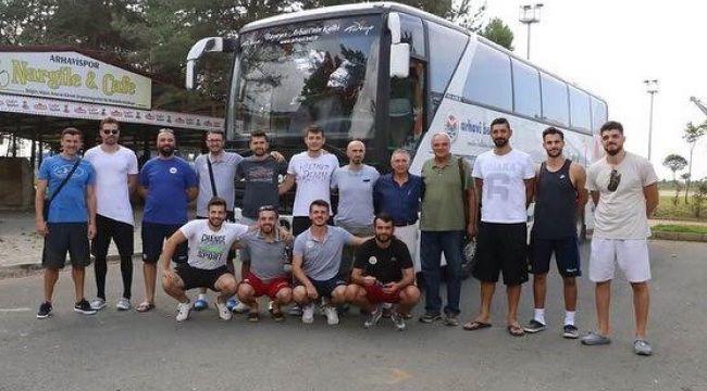 Arhavi Belediyespor lige Palandöken'de hazırlanıyor