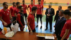 Başkan Demirci'den Belediyespor'a Moral Ziyareti