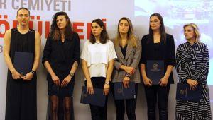 'Türk Voleybolu' 2 Dalda Ödüle Layık Görüldü