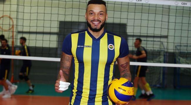 Kübalı smaçör Salvador Hidalgo Oliva Fenerbahçe'de