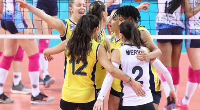 Fenerbahçe Opet, Polonya'dan Mutlu Dönüyor