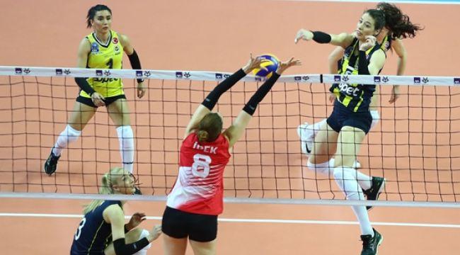 Fenerbahçe Opet, Kupa Voley'de Yarı Finalde!
