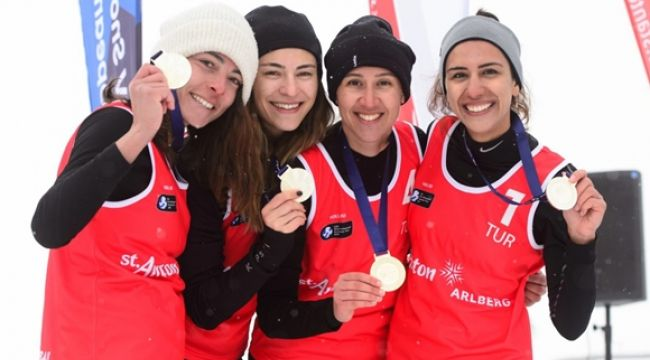 Millerimizden Kar Voleybolu'nda Gümüş Madalya