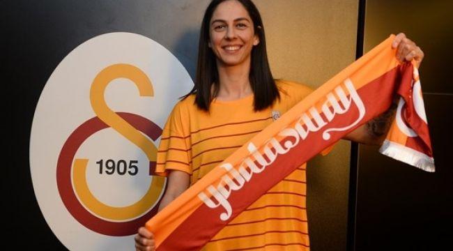 Güldeniz Önal Galatasaray'a Döndü!