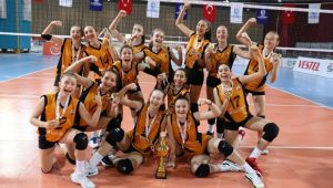 VakıfBank Midi Kızlar namağlup Türkiye şampiyonu