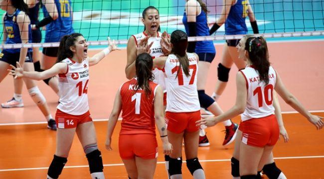 Genç Milliler Balkan Şampiyonası'nda Yarı Finalde