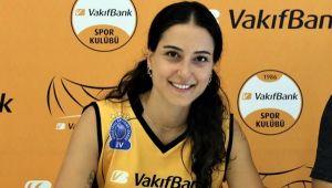 Pınar, Vakıfbank'a resmi imzayı attı