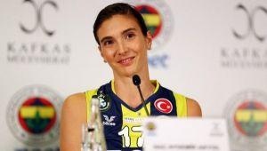 Naz Aydemir Akyol: 'Voleybolu bırakmayı düşündüm'