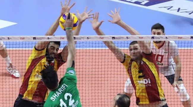 Bursa'yı 4 sette deviren Cim-Bom yenilgisiz lider!