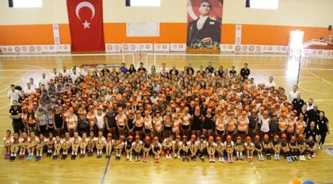 Eczacıbaşı'nın mirası Eczacıbaşı Spor Okulları