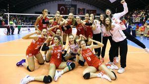 U17 Milliler Balkan Şampiyonası'nda 2'de 2 Yaptı