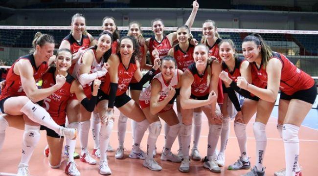 Türk Hava Yolları Namağlup Yarı Finalde