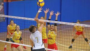 VakıfBank'ın gençleri, Göztepe'yi 3-1'le geçti