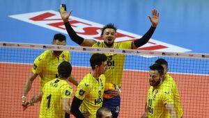 Fenerbahçe, Halkbank'a set vermedi