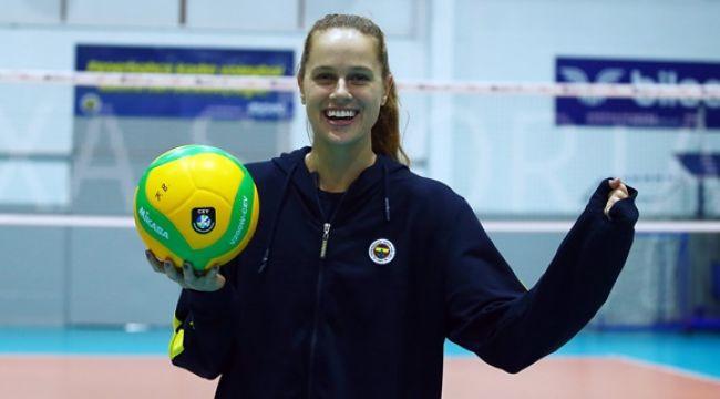 Kelsey Robinson Fenerbahçe Opet'te
