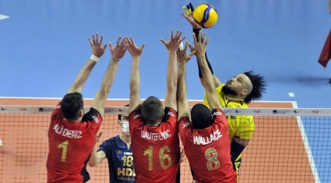 Spor Toto, Fenerbahçe'yi son sette devirdi