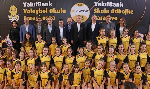 VakıfBank'tan Saraybosna Voleybol Okulu'na ziyaret